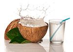 eau de coco &quot;width =&quot; 150 &quot;height =&quot; 108 &quot;/&gt; L&#39;eau de noix de coco pure est une boisson de réhydratation étonnante.Il est très faible en sucre naturel et il n&#39;a pas d&#39;additifs artificiels.L&#39;eau de noix de coco contient diverses vitamines et minéraux, tels que Vitamines du groupe B, manganèse, iode, zinc, acide ascorbique, sélénium et soufre <sup> <a href=