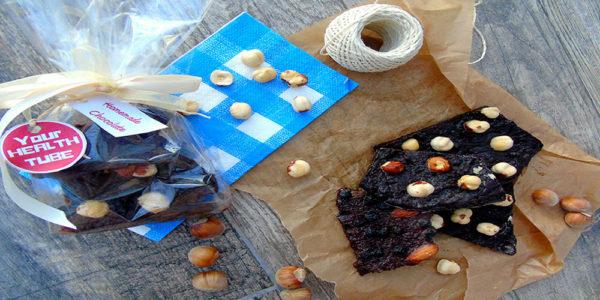 chocolat noir &quot;width =&quot; 600 &quot;height =&quot; 300 &quot;/&gt;</a></h2><p>Le chocolat noir est riche en nutriments étonnants qui peuvent être bénéfiques pour la santé. Avantages du chocolat noir:</p><ol><li> <strong>Protégez votre peau</strong></li></ol><p>Comme vous le savez probablement, les massages au chocolat et les bains sont très populaires de nos jours &#8211; et il y a Les composés bioactifs, appelés flavonols, dans les chocolats noirs peuvent également être parfaits pour la peau, ils peuvent améliorer le flux sanguin vers la peau, protéger contre les dommages causés par le soleil et augmenter l&#39;hydratation et la densité de la peau.</p><ol start=