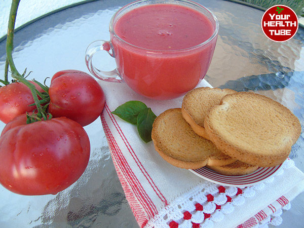 raw tomato soup natural food