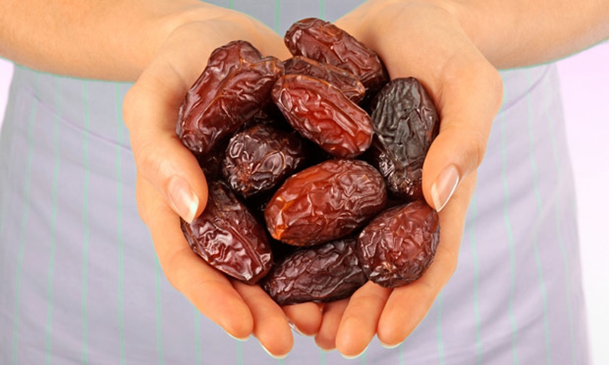 "Dates Benefits: 10 Reasons to Include This ""Flexible ..."